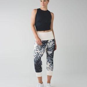LULULEMON Dance To Yoga Crop Pants Size 6